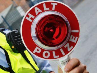 Polizeikontrolle im Urlaub. Foto: Tim-Reckmann_pixelio.de