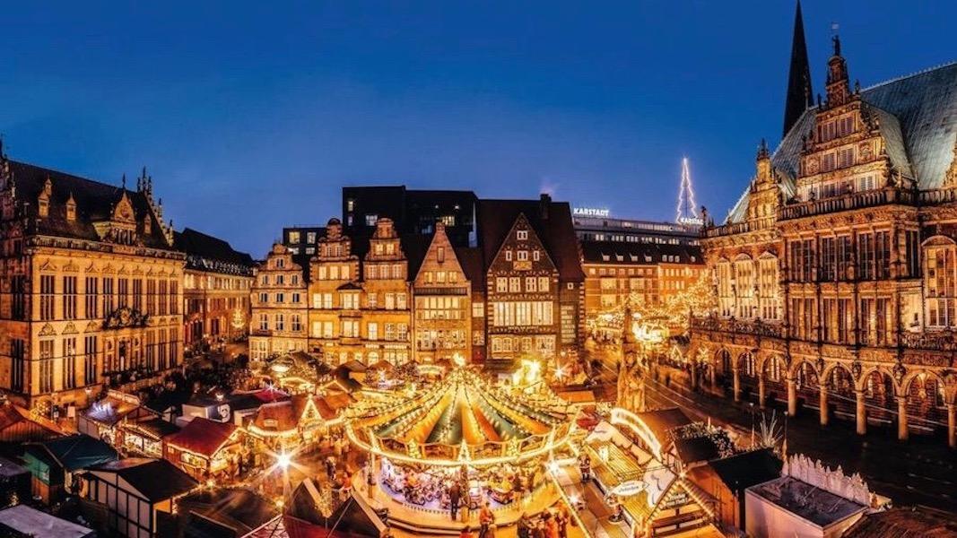 Bremen: Weihnachtsmarkt vorm Rathaus ©BTZ Bremer Touristik-Zentrale/Jonas Ginter