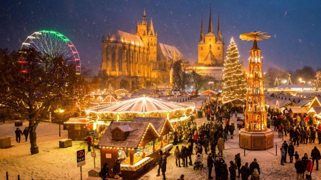 Erfurt: Weihnachtsmarkt auf dem Domplatz ©Erfurt Tourismus & Marketing GmbH/Matthias F. Schmidt