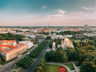 ©riga-panorama-latvia-travel